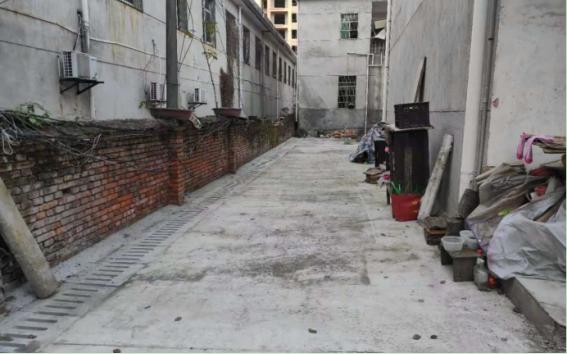 修复排水沟盖板 温泉社区四组大变样